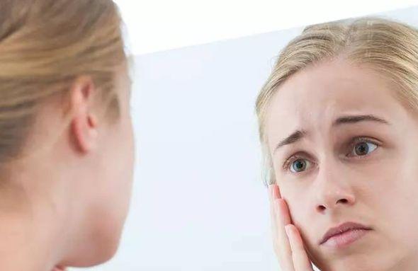 как очистить лицо от веснушек быстро