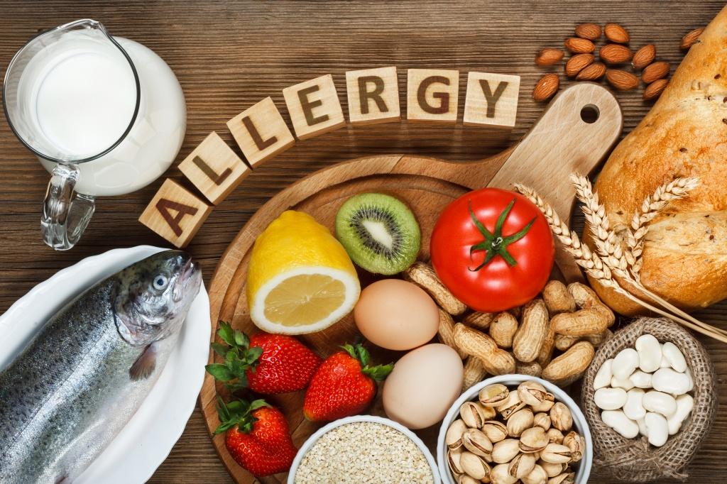 Аллергия на щеках у ребенка чем лечить