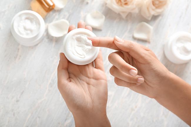 Убираем жирный блеск с лица: ежедневный уход за кожей, дополнительные процедуры.