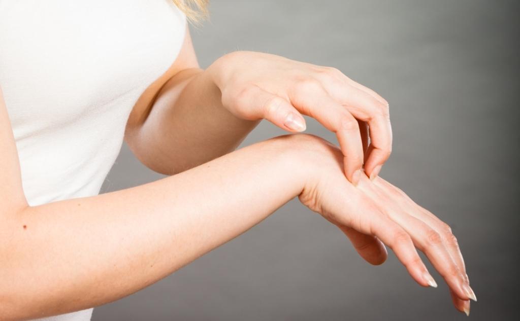 Чешутся суставы хруст в голеностопном суставе после травмы